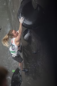 IFSC Boulder Worldcup Meiringen 2018, Semifinals\nSuisse\nApril 14th 2018\nPic Shows: Berit Schwaiger in 4th Women Semi-Final Boulder