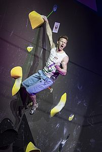 IFSC Boulder Worldcup Meiringen 2018, Finals\nSuisse\nApril 14th 2018\nPic Shows: Jakob Schubert in Boulder number 4