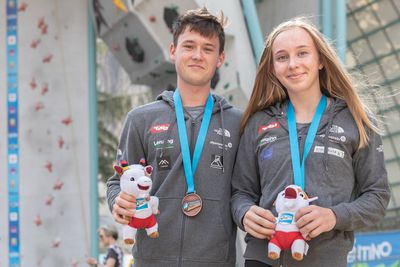 JUGEND-WM 2019 -\nIFSC CLIMBING YOUTH WORLD CHAMPIONSHIPS - Arco (ITA) 21-31 August 2019 / image shows: Austrian Medal Winners combined - Nicolai Uznik (3rd Juniors male), Julia Lotz (2nd Youth A female)