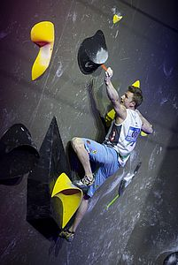IFSC Boulder Worldcup Meiringen 2018, Finals\nSuisse\nApril 14th 2018\nPic Shows: Jakob Schubert in Boulder 4
